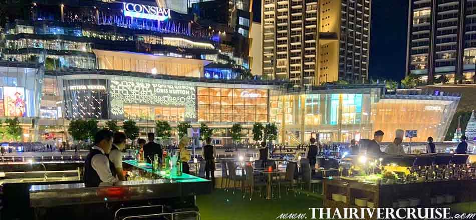 Top deck of Luxury large elegance modern cruise on The Chaophraya river,Alangka Cruise Luxury Bangkok Dinner Cruise Chaophraya River