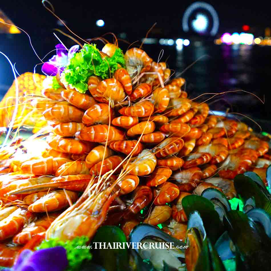 Seafood buffet dinner on Alangka Cruise Elegance Luxury Bangkok Dinner Cruise Chaophraya River,Thailand.Delicious seafood dinner on TAlangka Cruise Luxury Bangkok Dinner Cruise Chaophraya River