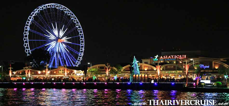 Valentine Dinner Bangkok Enjoy to see The Asiatique The Riverfront , This is the famous and popular waterfront open-air night market in Bangkok Thailand.