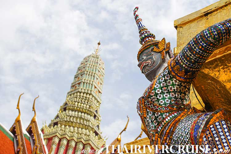 Guardian Giant Statue in Grand Palace Wat Emerald Buddha Temple Phra Kaew Bangkok Thailand,Bangkok Sightseeing Tour with River Cruise Trip