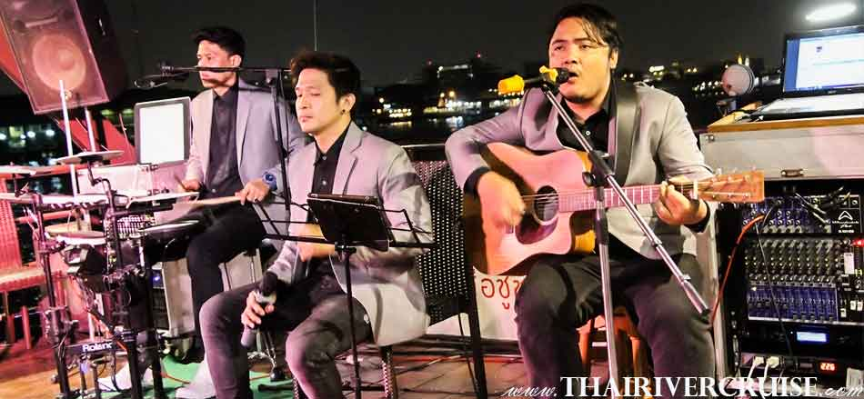 Enjoy to see entertainment by live music with English song, performance on board private dinner cruise Bangkok,Boat Rentals Charters Private River Cruise in Bangkok Thailand