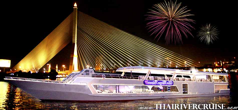 Celebrate New Year in Bangkok Thailand New Year's Eve Dinner Chaophraya Princess Cruise