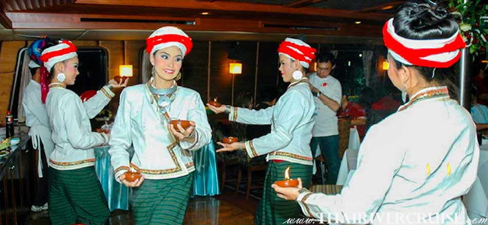 Entertainment  on board Grand Pearl Cruise Loykratong Day by Thai classical dancing and live music pop,jazz,dance, music style