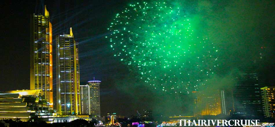 New Year Eve Bangkok, Enjoy to see spectacular firework display above the Chao phraya river at Icon Siam New Landmark of Bangkok Thailand