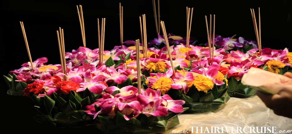 Loy Krathong Festival is one of the most colorful Thai festivals Loy Krathong Festival Chaophraya river Bangkok Thailand