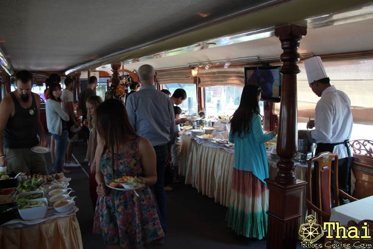 Enjoiy to International buffet lunch onboard, Bangkok lunch cruise.