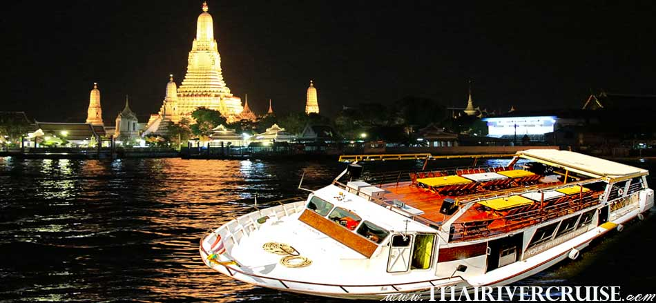 Bangkok Dinner Cruise on the Chao phraya river by Sanook Cruise Sabai Boat