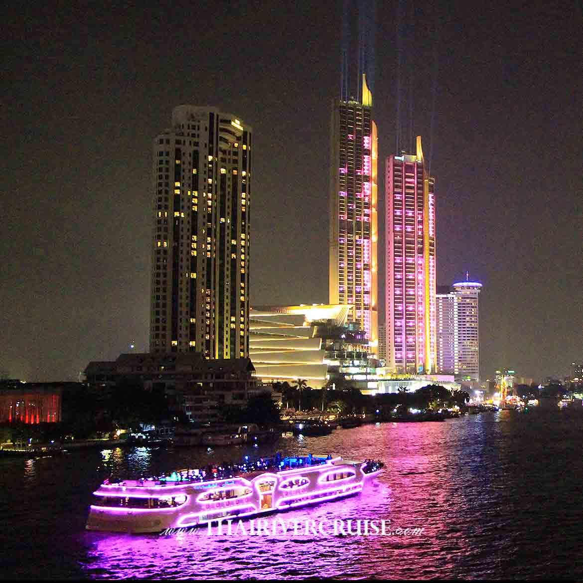 Bangkok New Year EVE 2021 River Cruises  along the Chao Phraya River, Come & enjoy to see on Countdown night on Tuesday 31, December 2019