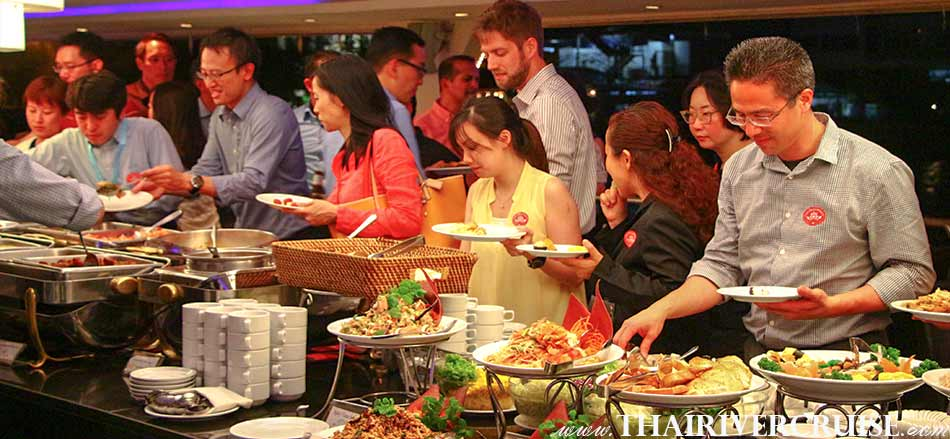 Private Dinner Cruise Bangkok by Luxury Cruise Chaophraya River Bangkok Thailand