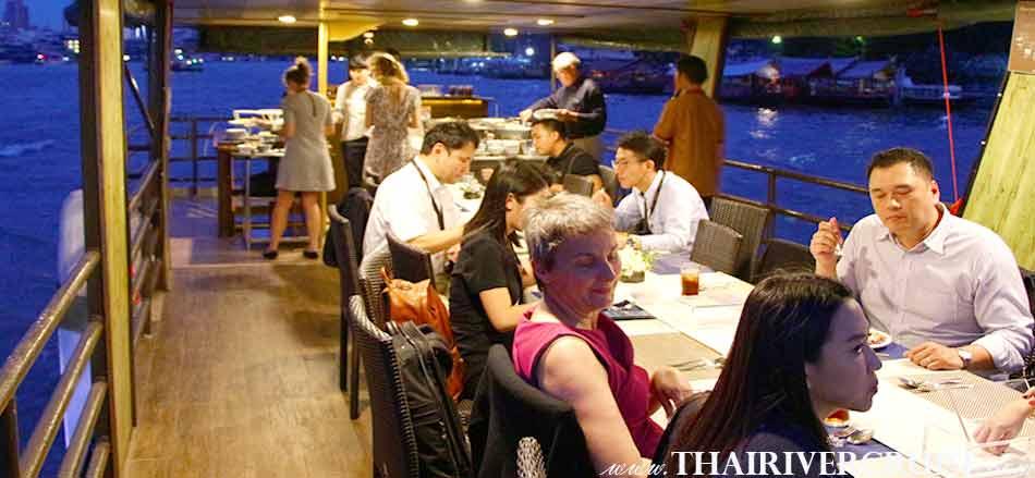 Private Boat Party Bangkok Dinner Cruise on the Chao Phraya River, Bangkok,Thailand