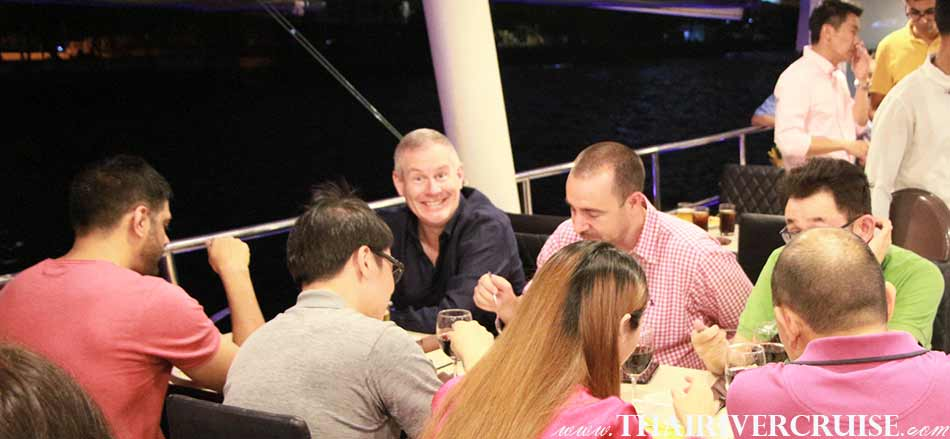 You will love the evening on board private dinning cruise Bangkok,Thailand