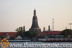 "Wat Arun "" Temple of Down "" , Bangkok. ( วัดอรุณราชวราราม หรือ วัดแจ้ง )"