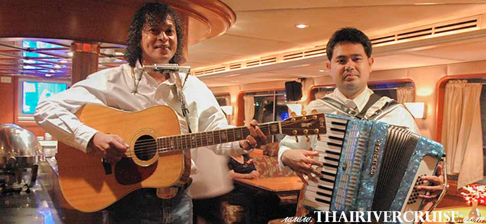 Entertainment onboard Grand Pearl Cruise by Thai classical dancing and live music pop jazz music style , River Cruise Bangkok New Year's Eve Dinner Grand Pearl Cruise