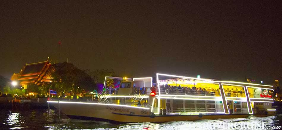 River Star Princess Cruise, the romantic dinner cruise Bangkok Thailand