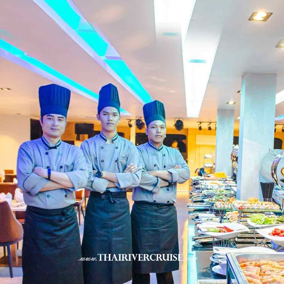 Professional Chef of Royal Princess Cruise New Luxury Large Elegance Bangkok Dinner Cruise on the Chao Phraya River,Thailand