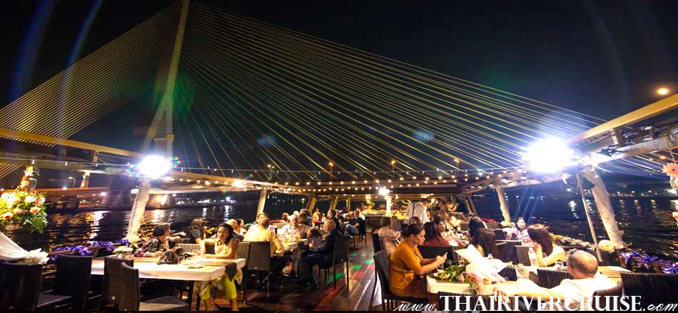 Bangkok Dinner Cruise on the Chao phraya river by Sanook Cruise Sabai Boat, Enjoy to see the beautiful scenery of Chaophraya River Bangkok Thailand