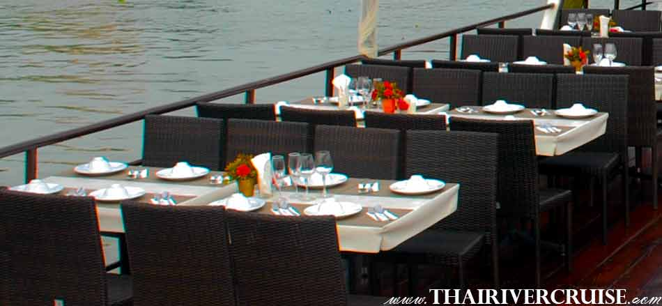 Convenience Seating and Cozy Bangkok Dinner Cruise on the Chao phraya river by Sanook Cruise