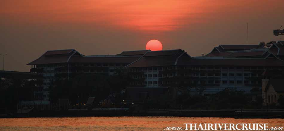 BEAUTIFUL SUNSET TIME IN BANGKOK CITY TOWN,Sunset Cruise Bangkok