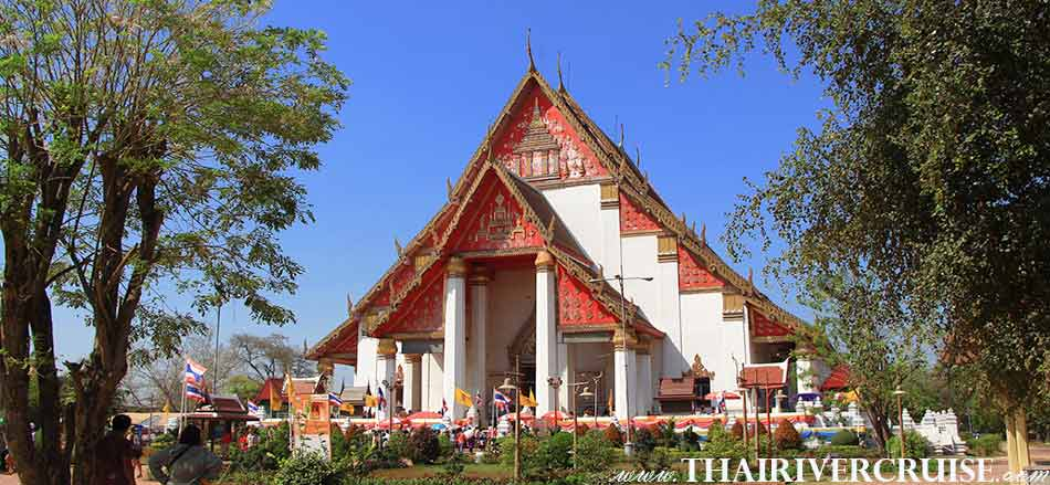 Wihan Phramongkhon Bophit, the large bronze Buddha image was originally enshrined in the open area outside the grand palace and later covered by a building called Wihan. ,Grand Pearl Cruise Ayutthaya