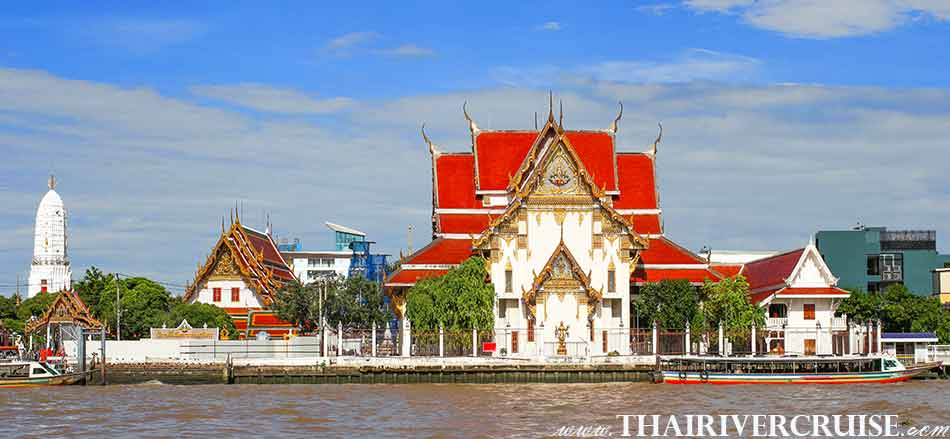 Wat Rakang Kositaram,Bangkok.(วัดระฆังโฆษิตาราม ) The beautiful scenery and attraction along the Chaophraya river Bangkok Thailand.Rice Barge Canal Tour Bangkok