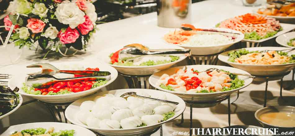 Salad bar vegetarian food available on buffet of Wonderful Pearl Cruise,  Best Bangkok dinner cruise Wonderful Pearl Cruise luxury elegance river cruise 5-Star dinning Wonderful pearl cruise promotion booking discount lower price
