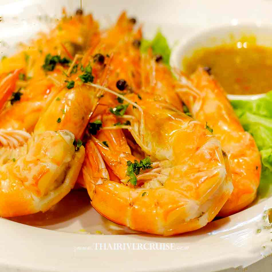 Salt Baked Shrimp Delicious seafood food on board Best Bangkok dinner cruise Wonderful Pearl Cruise luxury elegance river cruise 5-Star dinning Wonderful pearl cruise promotion booking discount lower price