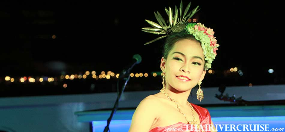 Entertainment by Thai classical dance show and the ambiance of live jazz and popular music performed by Thai and International artists on board Wonderful Pearl Cruise