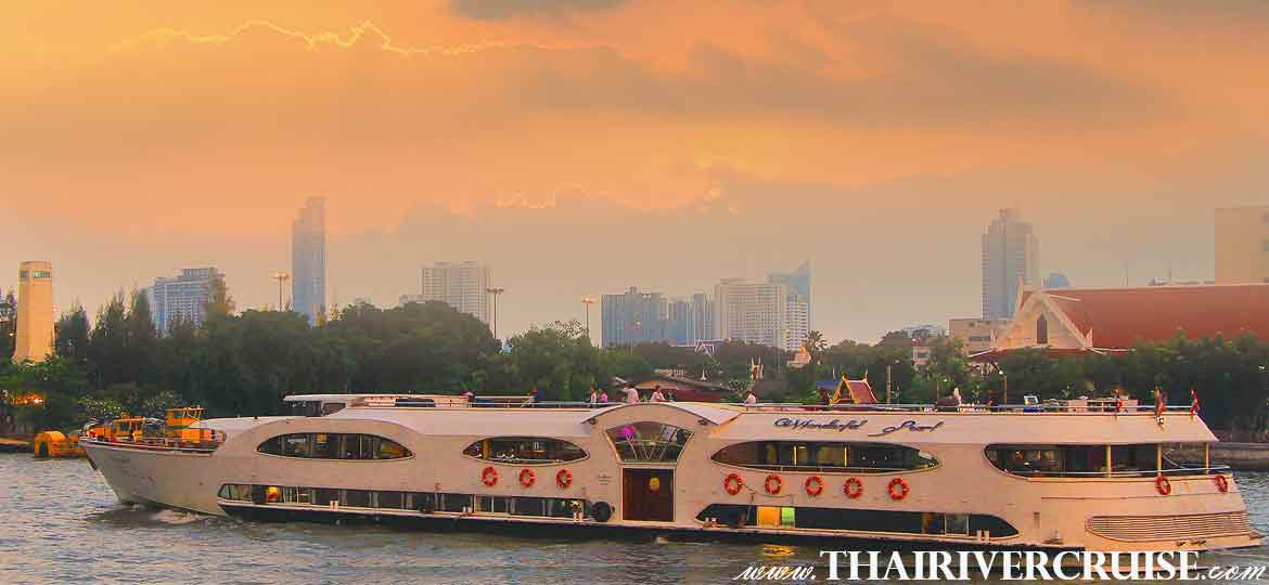 Wonderful Pearl Sunset Dinner Cruise on the Chao phraya river