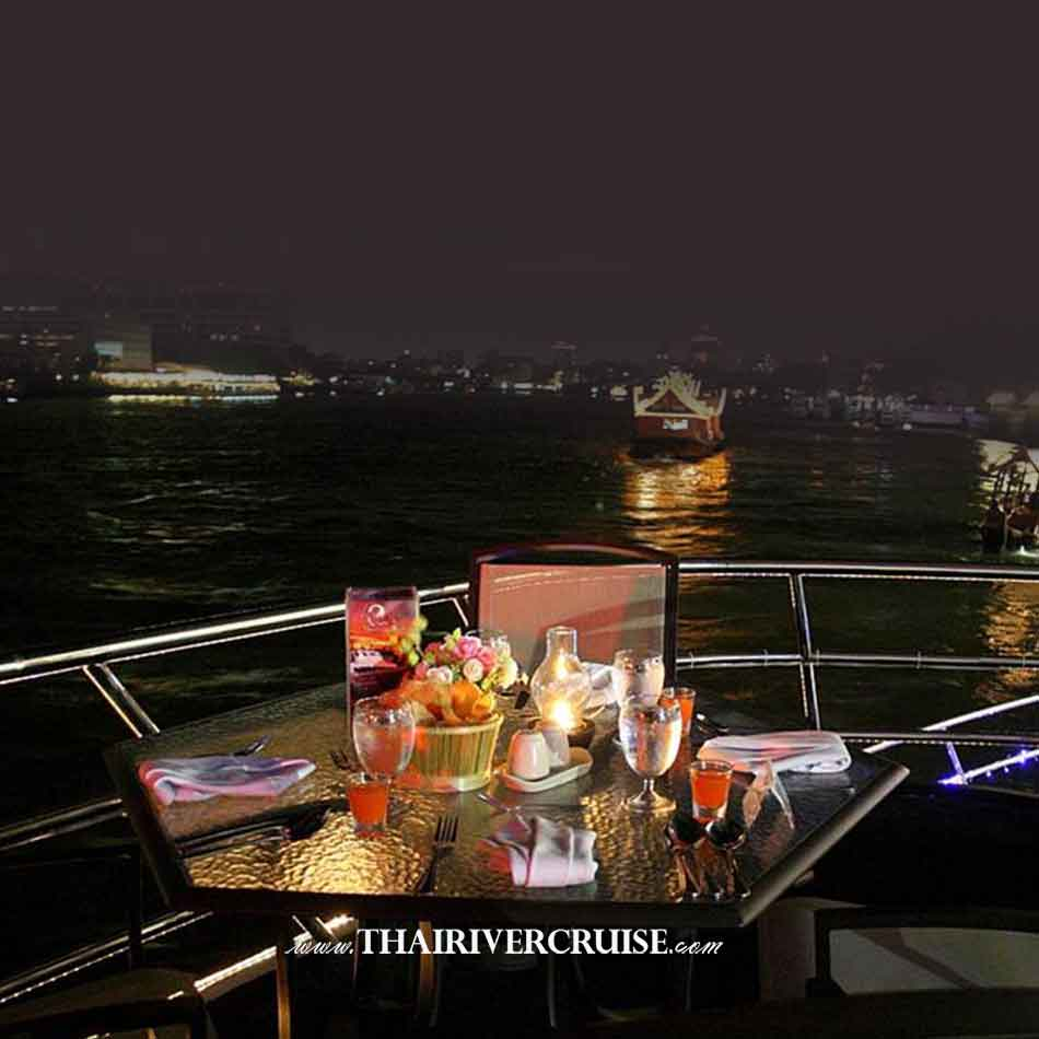 Chaophraya Cruise & Grand Chaophraya Crusie Bangkok night river cruise luxury 5 star Chaophraya river Bangkok