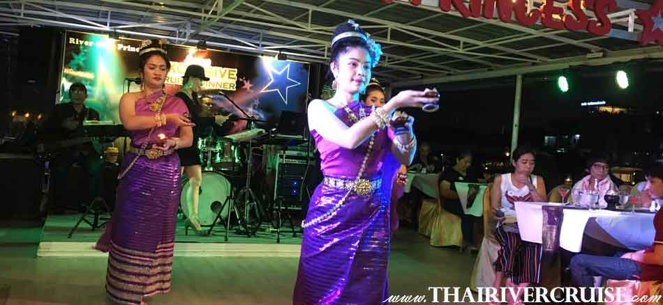 Halal Food Dinner Bangkok Chaophraya River Cruise for Muslim, Famous dinner cruise in Bangkok and Halal food available for Muslim, Thai Classical Dance Show on board