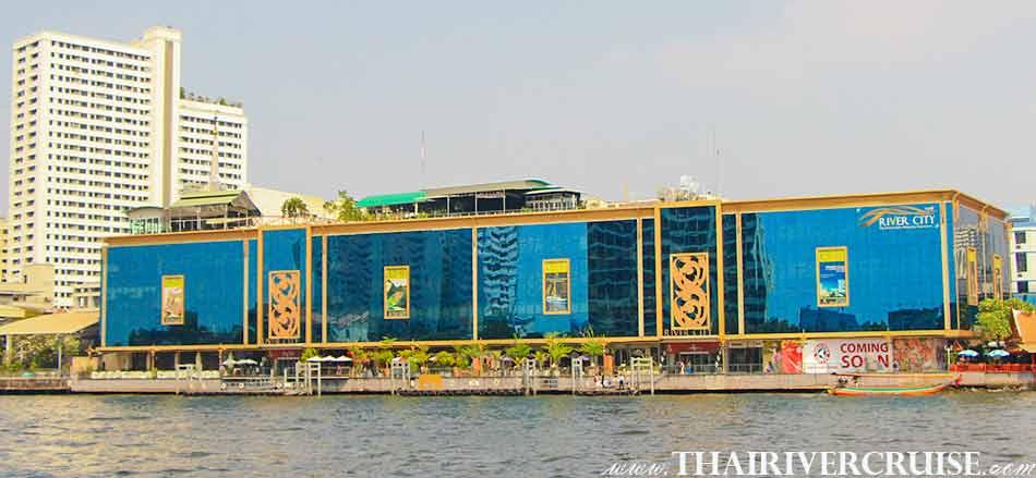 River City Pier Sriphraya Bangkok, The beautifulscenery and attraction along the Chaophraya river Bangkok ,Long tails boat rides in Bangkok Thailand