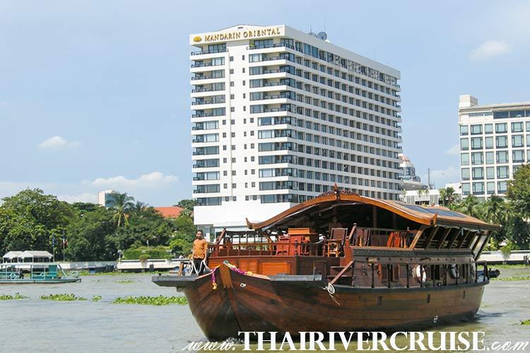 เรือเมขลามีความยาว 20 เมตรทำด้วย ไม้สักทอง ทั้งลำ ลักษณะ เรือเมขลา ออกแบบ ทรงไทย ที่สวยงาม และ ออกแบบได้ลงตัว เพื่อได้ สมยานาม เรือนอน โรงแรมลอยน้ำ