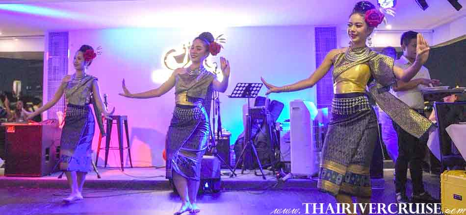 Thai classical dance show, the famous Thai traditional show and Live Band music on board, Alangka Cruise Luxury Bangkok Dinner Cruise Chaophraya River