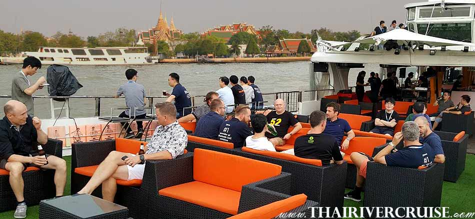 Great view in Sunset Time Bangkok, Enjoy to see magnificent view of the Chaophraya river such as Grand Palace etc., Cruise private Bangkok,Best Sundown Party Boat Chao Phraya river Bangkok,Thailand. Private Cocktail Cruise Bangkok Sunset Night Party Boat including free flow drinks snack buffet