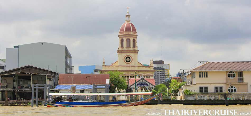 Santa Cruz Church Bangkok ( โบสถ์ซางตาครู้ส ) The beautiful scenery and attraction along the Chaophraya river Bangkok Thailand.Rice Barge Canal Tour Bangkok