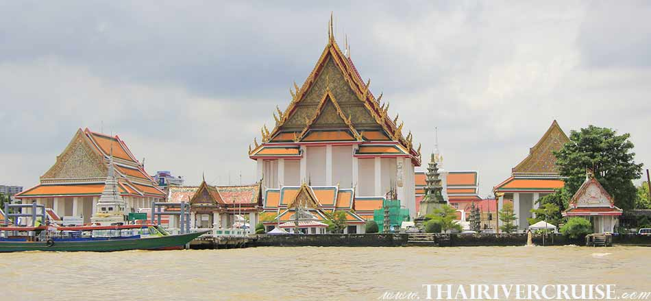Wat Kanlayanamitr, Bangkok. ( วัดกัลยามิตร ) The beautiful scenery and attraction along the Chaophraya river Bangkok Thailand.Rice Barge Canal Tour Bangkok