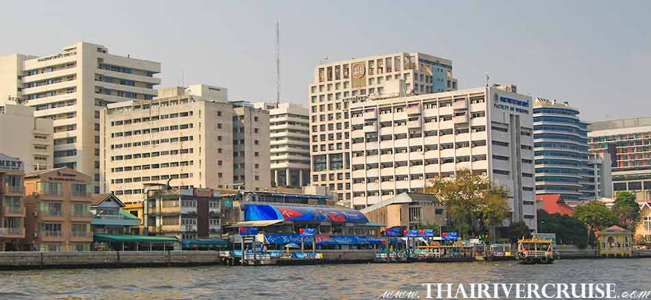Siriraj Hospital Bangkok (โรงพยาบาล ศิริราช ) The beautiful scenery and attraction along the Chaophraya river Bangkok Thailand.Rice Barge Canal Tour Bangkok