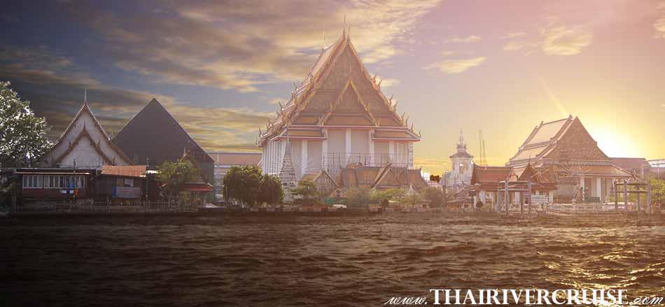 Sunset Cruise Bangkok on the Chaophraya River Thailand, The Sunset Cruise will Passing ; Wat Kalayamit,The Beautiful Night Scenery Along the Chaophraya River Bangkok Thailand.sunset dinner cruise Bangkok